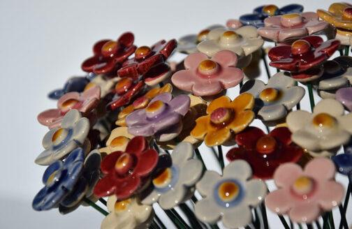 Fiore di fragola in ceramica